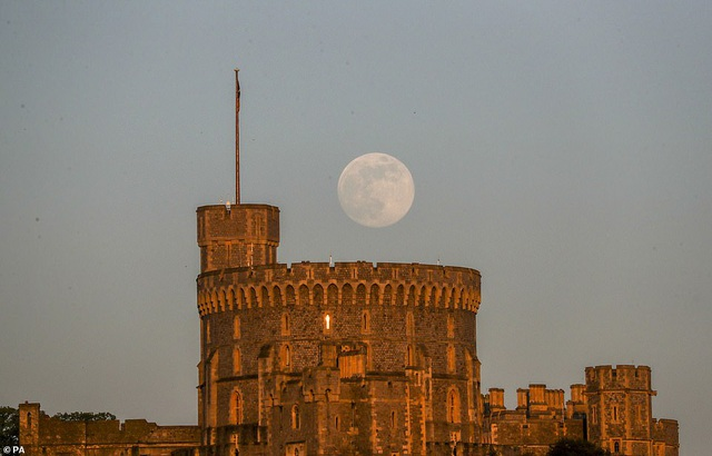 Ngất ngây trước vẻ đẹp của siêu trăng trên khắp thế giới - 10