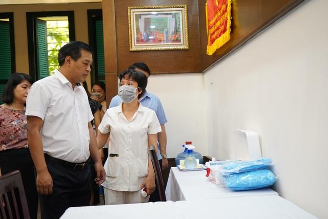 Các trường tiểu học, mầm non quận Hoàn Kiếm sẵn sàng đón học sinh trở lại - 1