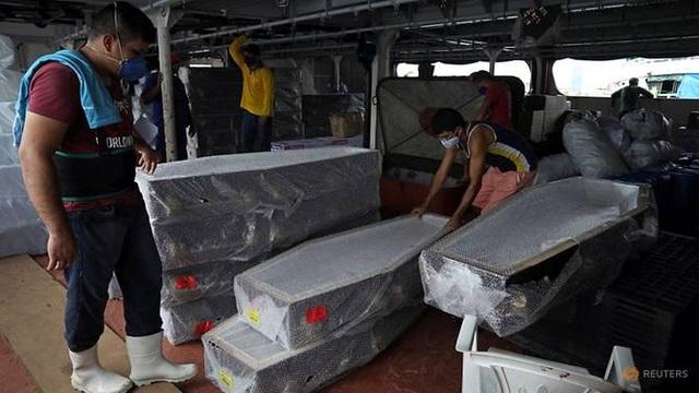 Brazil tăng kỷ lục ca tử vong, Tổng thống vẫn phản đối giãn cách xã hội - 1