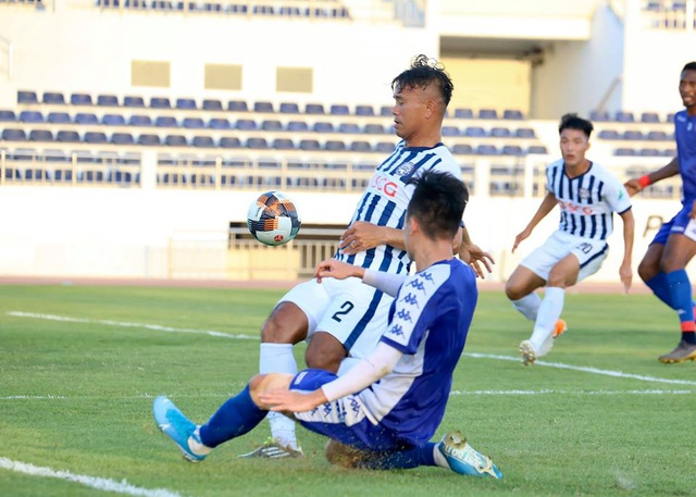 Công Phượng nhạt nhòa, CLB TPHCM thua Bà Rịa Vũng Tàu trong trận đấu tập - 8