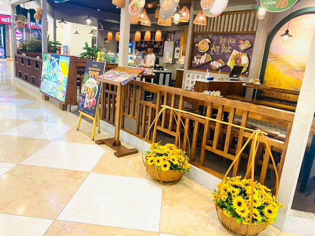 Trung tâm thương mại ở Hà Nội vẫn đìu hiu sau giãn cách xã hội - 12