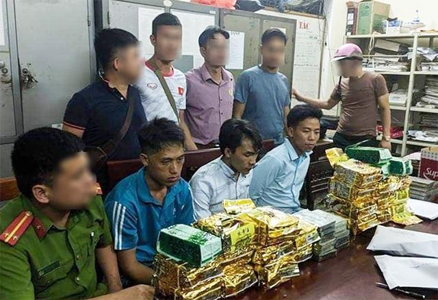 Từ Bắc Kạn vào Nghệ An vận chuyển thuê gần 30 kg ma túy - 1