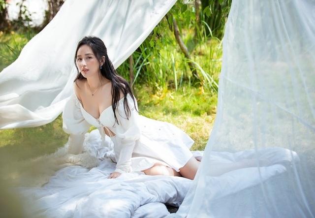 Phong cách đối lập của Hoa hậu Trần Tiểu Vy và Kỳ Duyên - 7