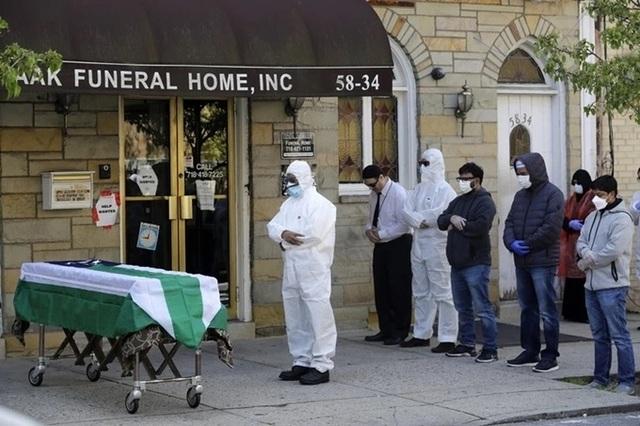 Nỗi ám ảnh thi thể Covid-19 của nhà tang lễ New York - 2