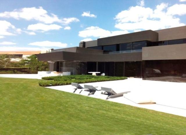 Ngắm ngôi nhà trị     giá hơn 290 tỷ đồng của Eden Hazard - 1