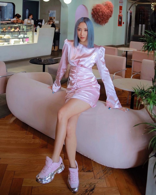 Phong cách đối lập của Hoa hậu Trần Tiểu Vy và Kỳ Duyên - 6