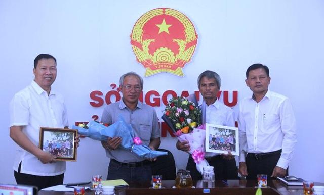 Đại sứ Philippines cảm ơn ngư dân Bình Định cứu người gặp nạn - 1