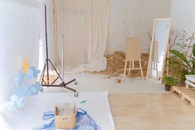 Thuê nhà cũ giá hời, cô gái ở Đắk Lắk cải tạo thành studio đẹp không ngờ - 1