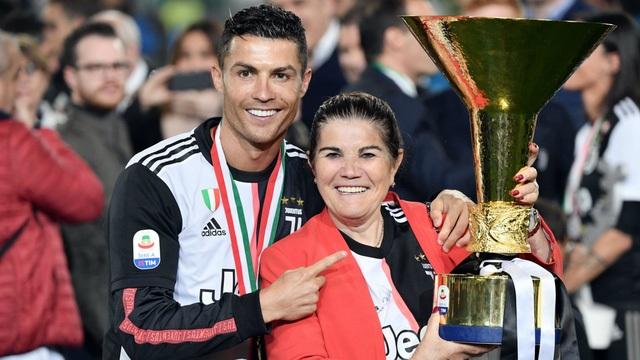 C.Ronaldo suýt phải giải nghệ năm 15 tuổi - 2