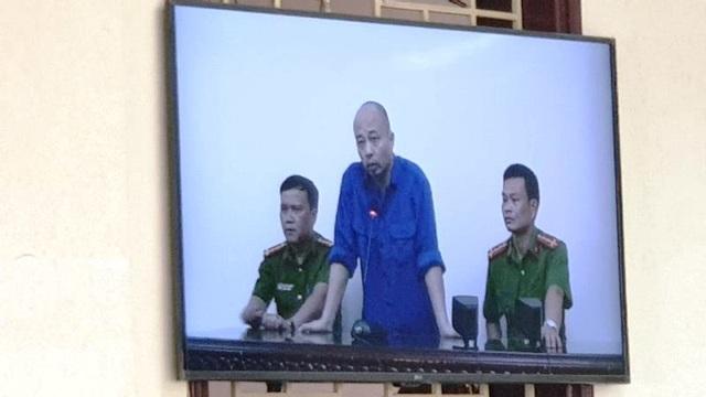 """""""Đường Nhuệ"""" ngồi phòng riêng dự phiên xét xử vợ chồng GĐ Công ty Lâm Quyết - 2"""