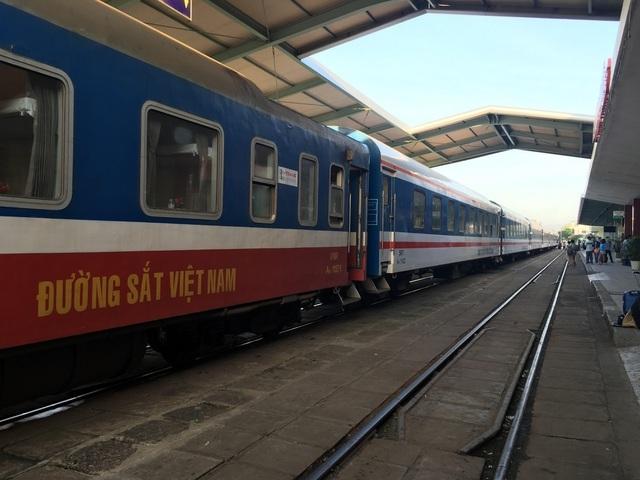 Khách không đi tàu, hơn 3.200 nhân viên đường sắt mất việc - 1