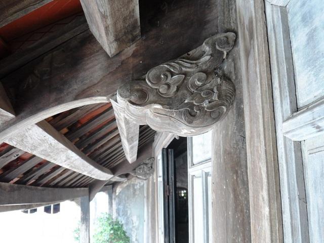 Hoa văn của nhà cổ trước đây được những người thợ tài hoa bậc nhất thực hiện. Ảnh: NVCC