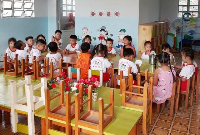Ngày đầu đi học trở lại: Phụ huynh vui mừng, trẻ phấn khởi - 26