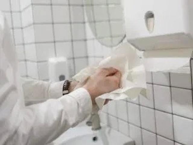 Khăn giấy loại bỏ virus tốt hơn máy sấy - 1