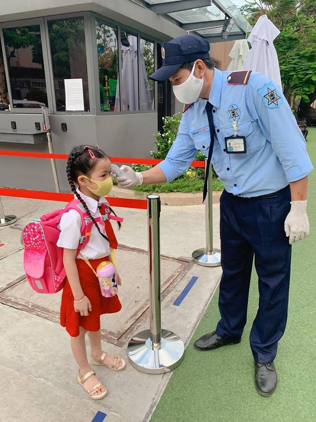 Sao Việt cho con đi học: người vẫn nặng lo âu, người nhớ con da diết - 2