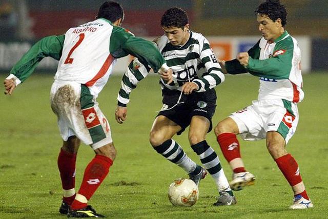 C.Ronaldo suýt phải giải nghệ năm 15 tuổi - 1