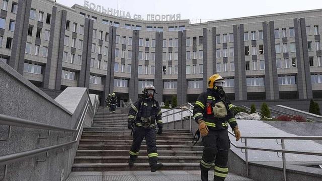 Máy thở bốc cháy vì quá tải tại bệnh viện Nga, 5 bệnh nhân tử vong - 1