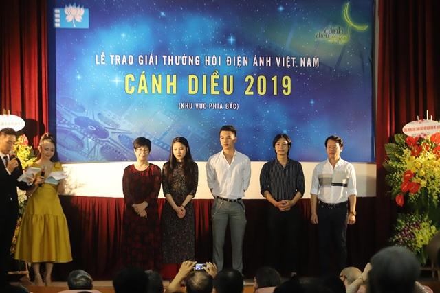 Phim của Cát Phượng, Kiều Minh Tuấn cùng lúc ẵm 7 giải tại Cánh diều 2019 - 2