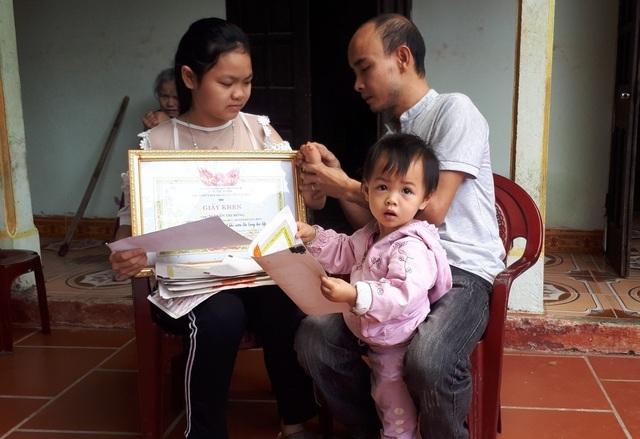 Cô gái thiếu một bàn tay được bạn đọc giúp đỡ hơn 42 triệu đồng - 3