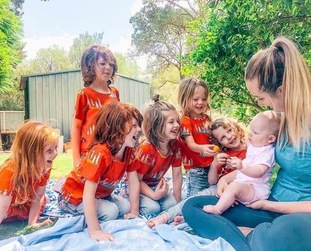 Choáng váng với bà mẹ có... 8 con trước tuổi 30 - 2