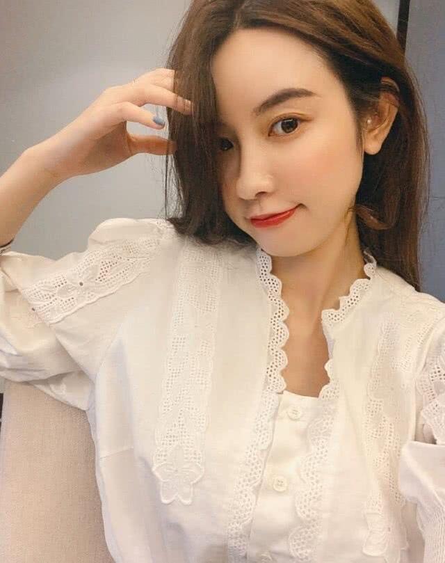 Hotgirl bị tố ngoại tình với chủ tịch Taobao bất ngờ đăng ảnh mặc váy cưới - 5