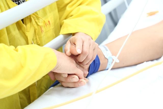 Khẩn cấp: Người đàn ông 46 tuổi sẽ chết vì thiếu nhóm máu hiếm để truyền - 2
