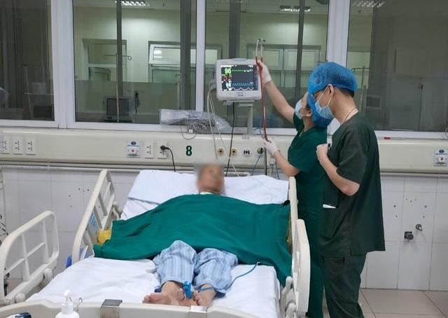 Vận động bệnh nhân khỏi Covid-19 hiến huyết tương điều trị các ca bệnh nặng - 1