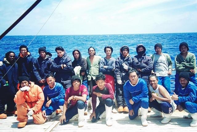 Ngư dân Indonesia tố tàu cá Trung Quốc ngược đãi, vắt kiệt sức lao động - 1