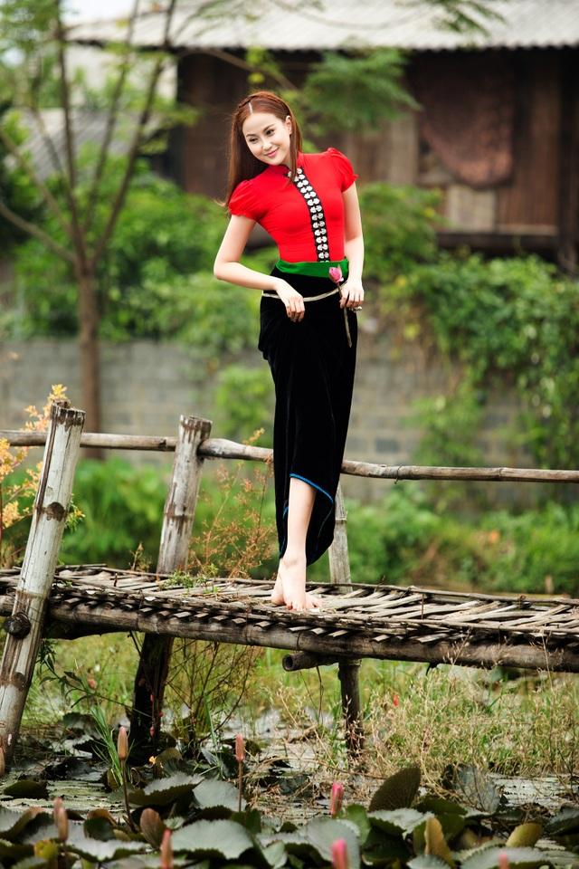 Hoa hậu Khánh Ngân đẹp cuốn hút trong bộ ảnh quảng bá du lịch Việt Nam - 6