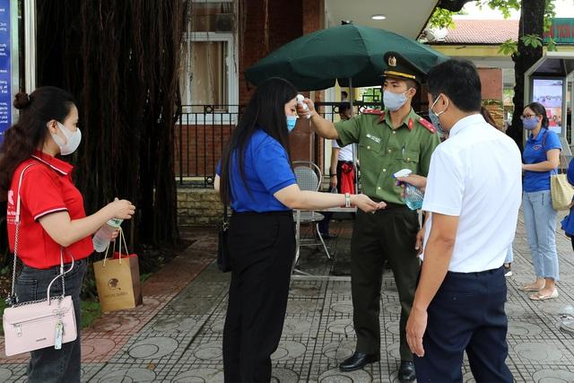 Lăng Chủ tịch Hồ Chí Minh mở cửa đón khách trở lại - Ảnh minh hoạ 2