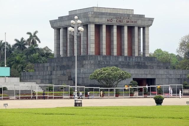 Lăng Chủ tịch Hồ Chí Minh mở cửa đón khách trở lại - Ảnh minh hoạ 11