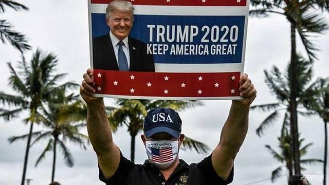 Ông Trump tố đảng Dân chủ chơi trò chính trị  - 1