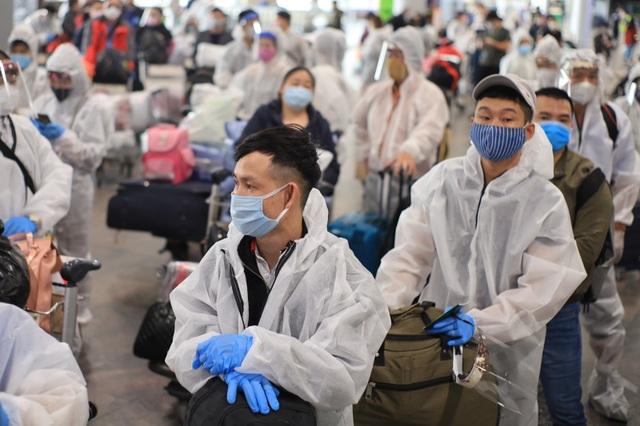 345 người Việt mắc kẹt tại vùng dịch lớn thứ 2 thế giới đã về nước an toàn - 1