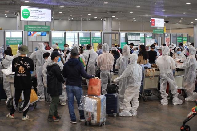 345 người Việt mắc kẹt tại vùng dịch lớn thứ 2 thế giới đã về nước an toàn - 2