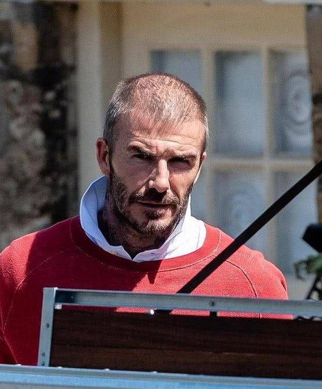 David Beckham đối mặt với chứng rụng tóc và tuổi tác - 3