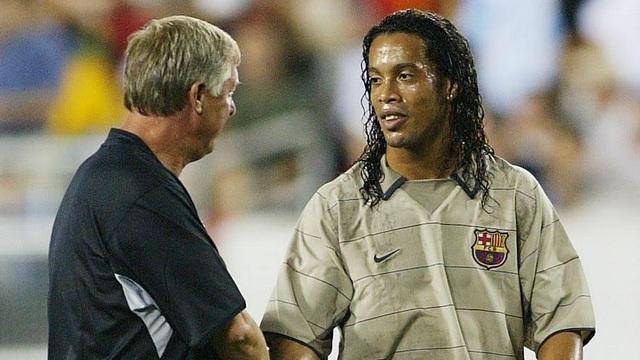 """Paul Scholes tiết lộ vụ Ronaldinho """"lật kèo"""" với Man Utd - 1"""