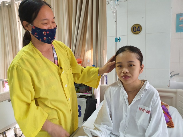 Cô gái 19 tuổi cầu xin thêm 1 lần được sống nghẹn ngào ngày xuất viện - 1