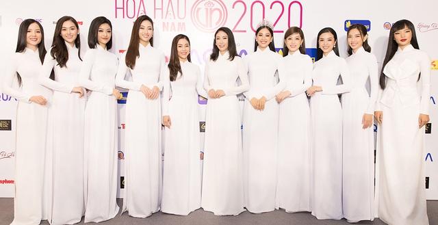 Hoa hậu Đỗ Mỹ Linh, Trần Tiểu Vy, Lương Thuỳ Linh đọ dáng với áo dài trắng - 1