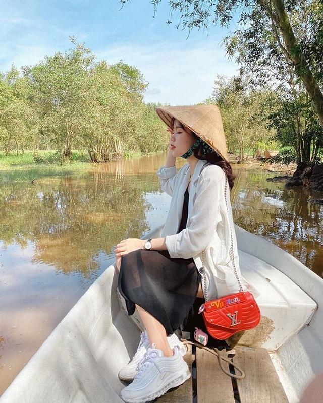 Bạn gái mới của Quang Hải là du học sinh sành điệu - 3