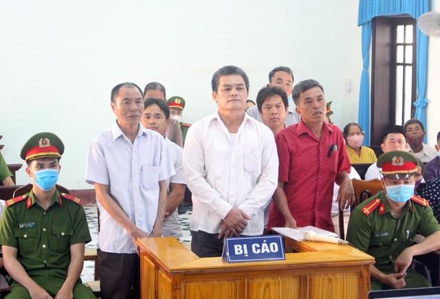 Tuyên án nhóm đối tượng xông vào trụ sở xã gây rối kỳ họp HĐND - 1