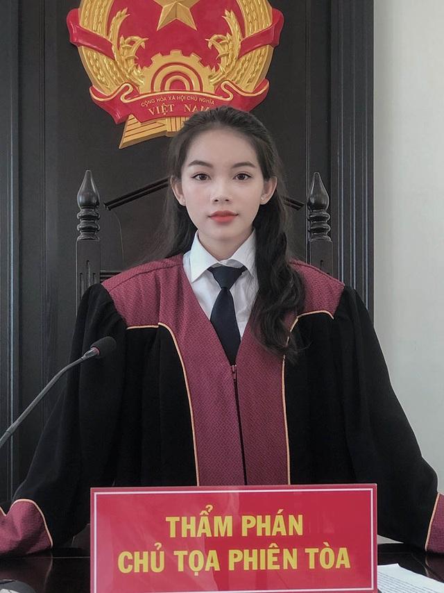 """Nữ sinh Học viện Tòa án mơ ước trở thành người """"cầm cân nảy mực"""" - 1"""