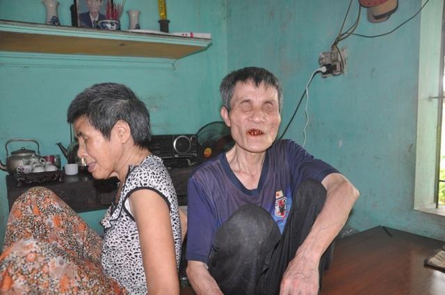 Người đàn ông mù chăm em gái tâm thần xin dừng hỗ trợ - 3