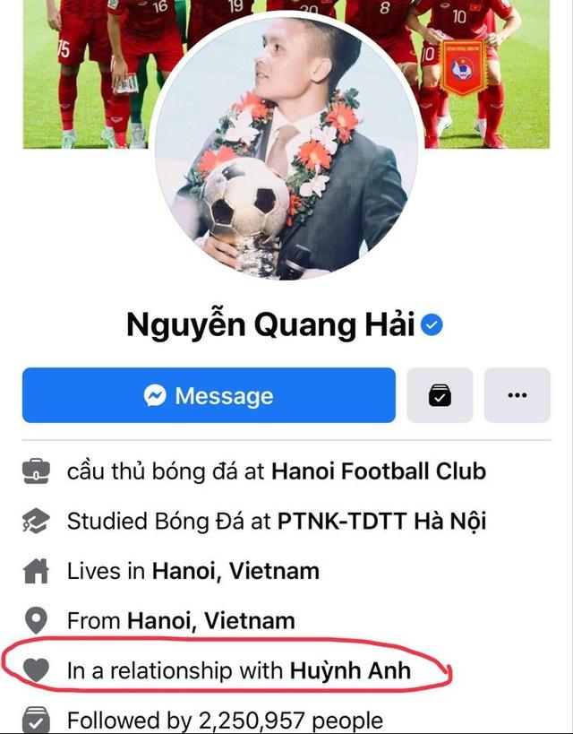 Cầu thủ Quang Hải đăng ảnh khoác vai tình tứ cùng bạn gái mới - 2