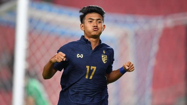 Ngôi sao trẻ Thái Lan muốn chơi bóng bên cạnh Messi - 1