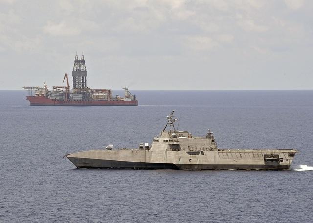 Mỹ điều tàu chiến tới điểm nóng ở Biển Đông - 1