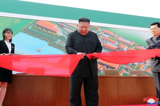 Mỹ tin ông Kim Jong-un vẫn khỏe mạnh - 2