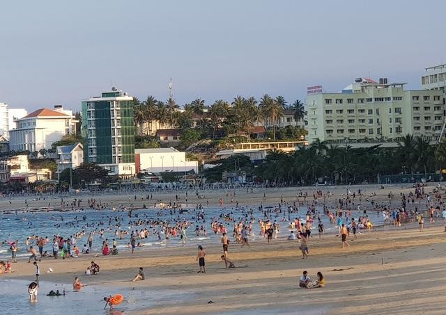"""Nha Trang: Khách sạn mở cửa đạt 10-15%, sắp tung gói kích cầu """"khủng"""" - 1"""