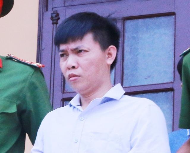 Cựu hiệu phó nâng điểm cho hàng loạt thí sinh bật khóc trước tòa - 2
