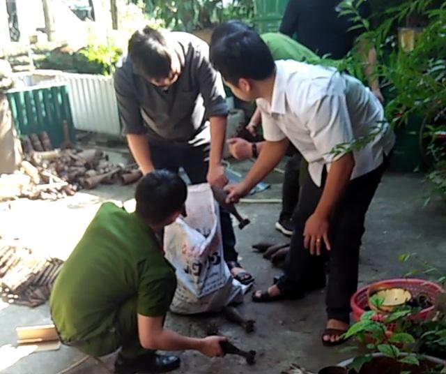 Công an TP Hà Giang hầu tòa vụ thu giữ 1,5 tấn kỷ vật chiến tranh - 3