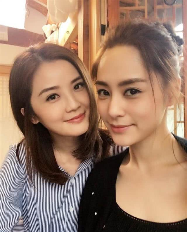 Hậu ly hôn: Chồng cũ tuyệt tình, Chung Hân Đồng vẫn giữ ảnh cưới - 1
